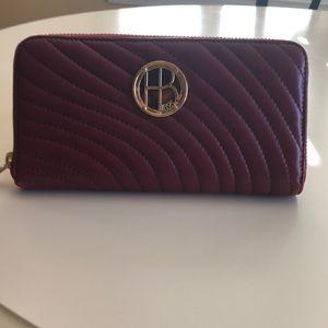 Henri Bendel zippered wallet